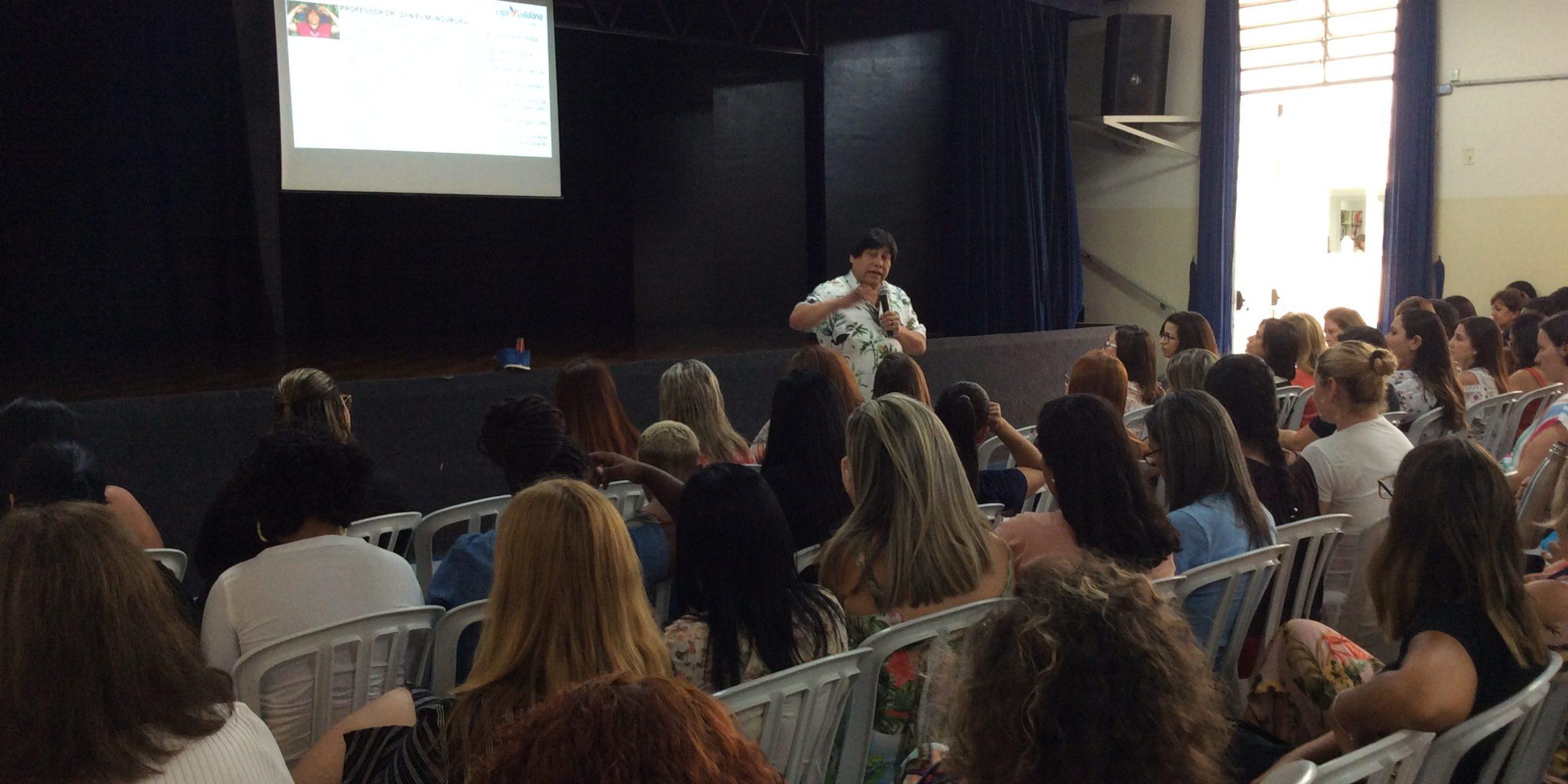 Palestra sobre Diversidade Cultural e Linguística Brasileira