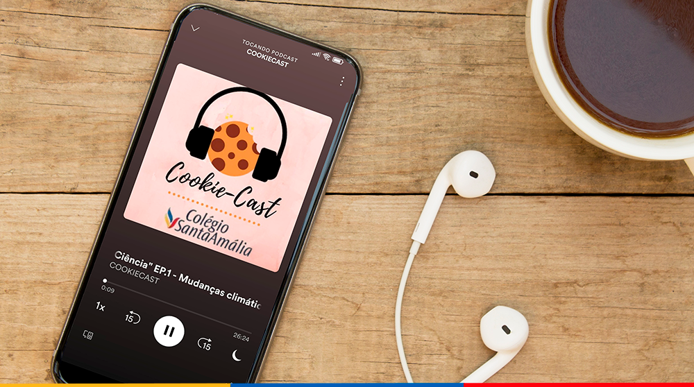 """Alunos ganham protagonismo, soltam a voz e transmitem informações sobre temas atuais no podcast """"Cookiecast"""""""